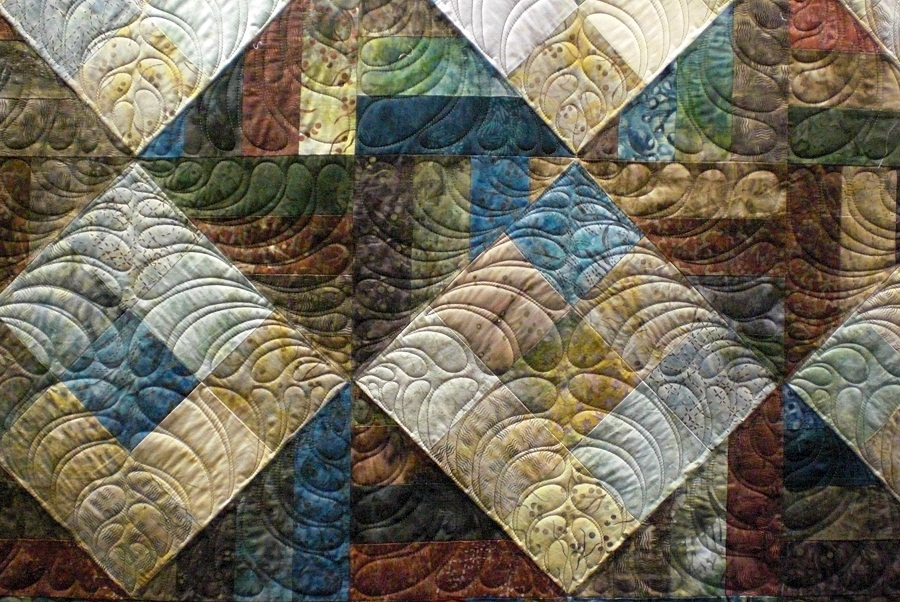 Image of: Large Batik Quilt Patterns