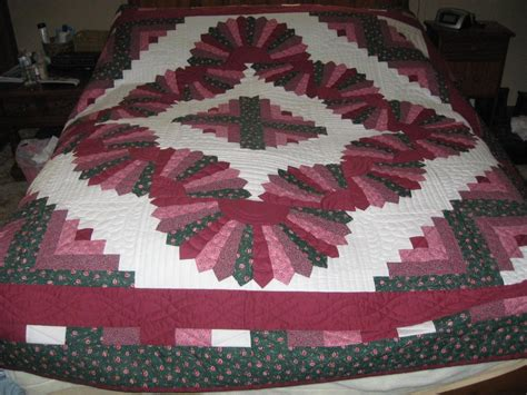 Picture of: Large Log Cabin Quilt Pattern