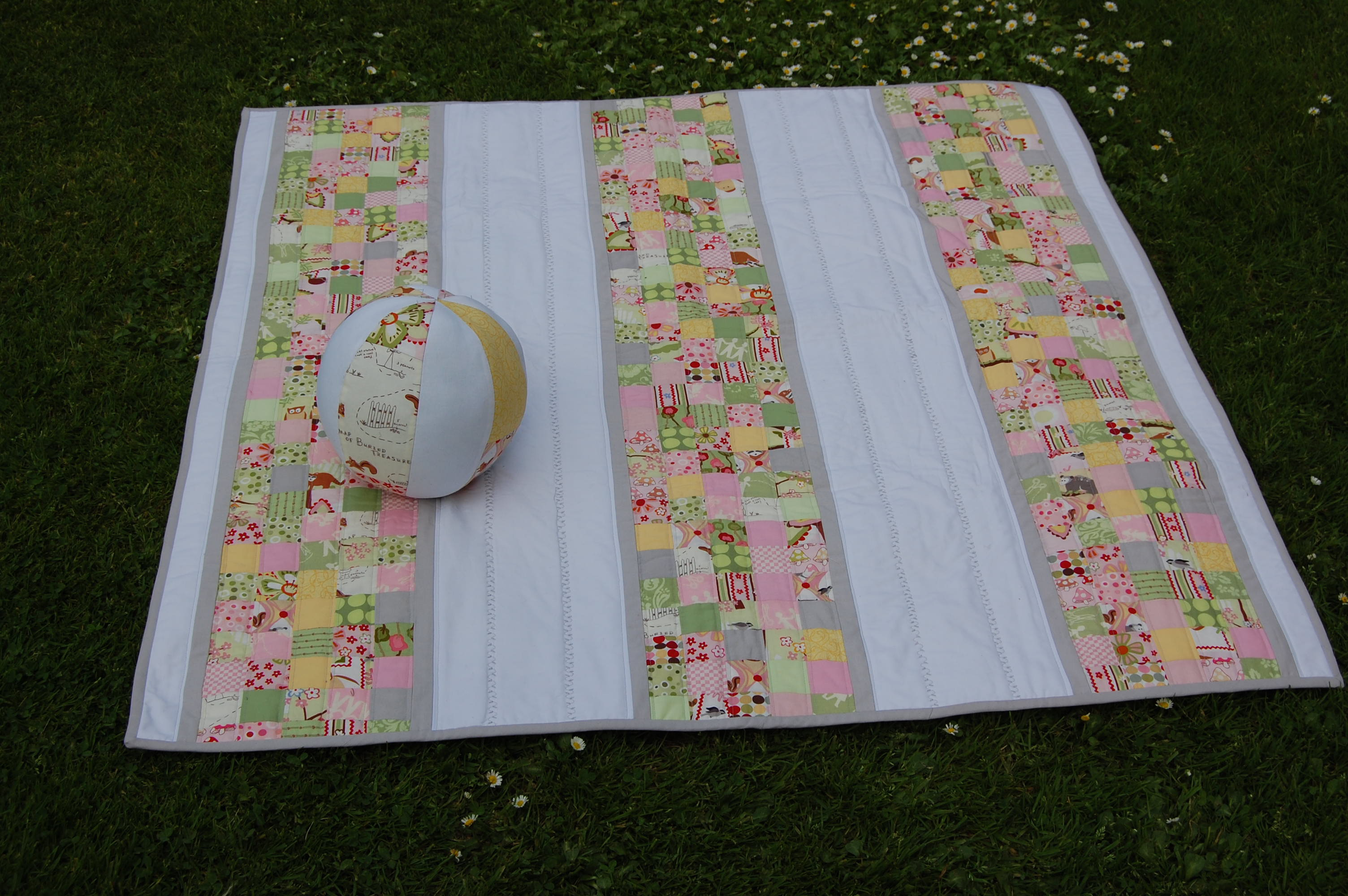 Image of: Modern Baby Quilt Kits