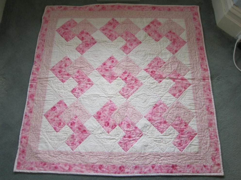 Image of: Pink Baby Girl Quilt Patterns