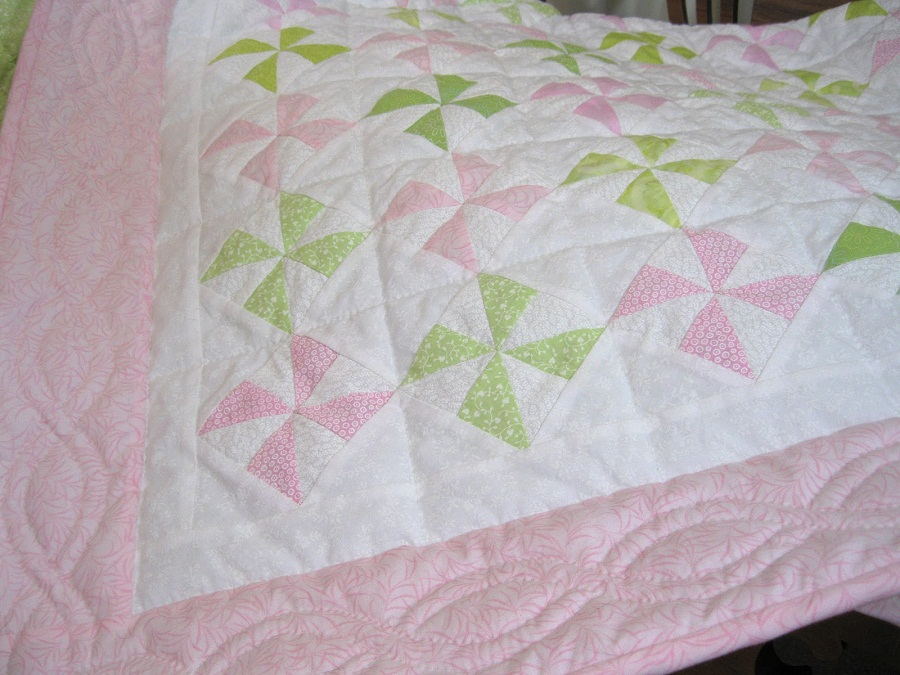 Image of: Pink Baby Quilt Pictures