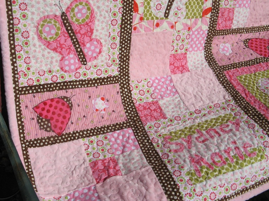 Image of: Pink Baby Quilt Style