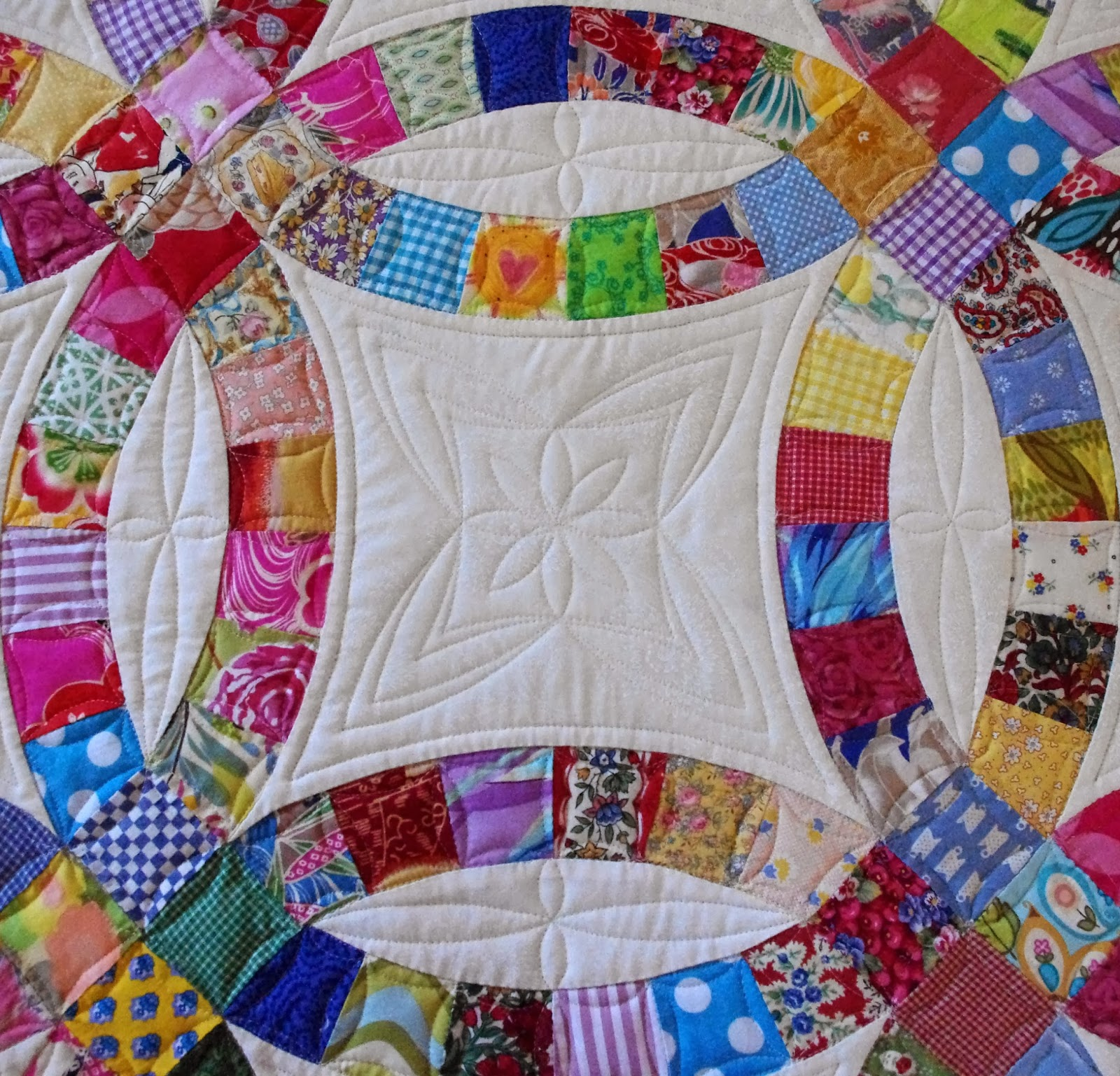 Image of: Pink Double Wedding Ring Quilt Pattern