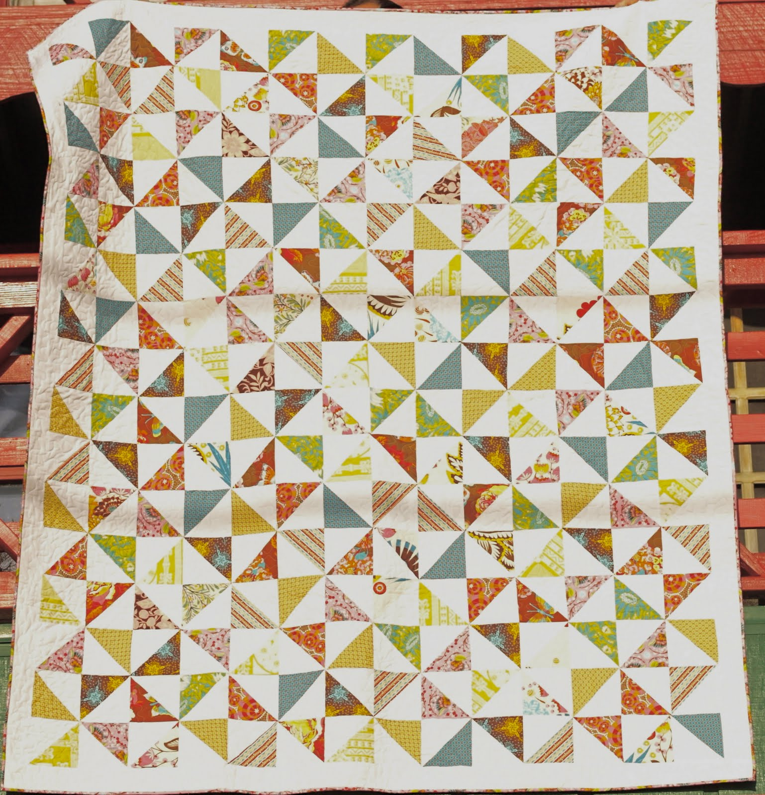 Image of: Pinwheel Quilt Pattern Idea