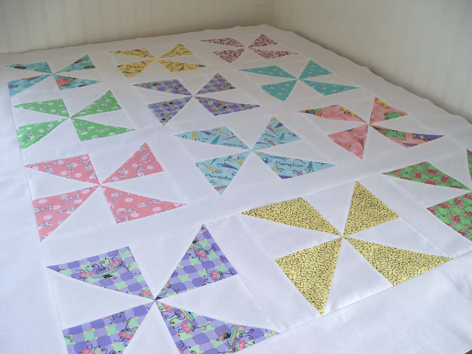 Image of: Pinwheel Quilt Pattern Large