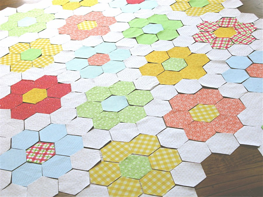 Picture of: Pretty Flower Quilt Patterns
