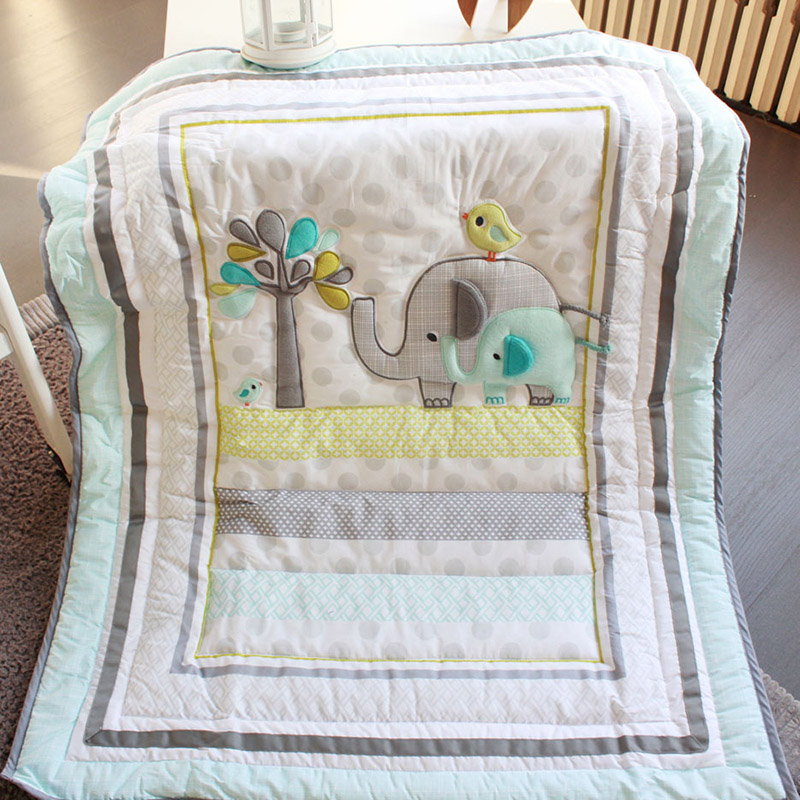 Image of: Quilted Baby Blanket Theme