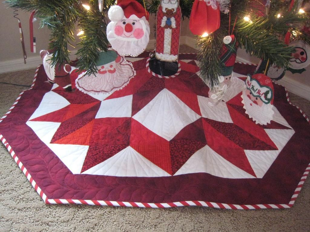 Image of: Quilted Tree Skirt Pattern Red