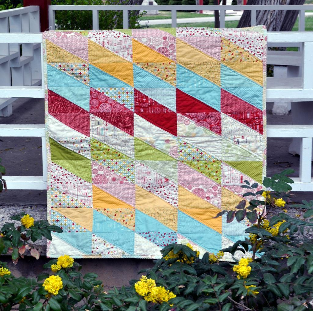 Image of: Simple Baby Quilt Patterns
