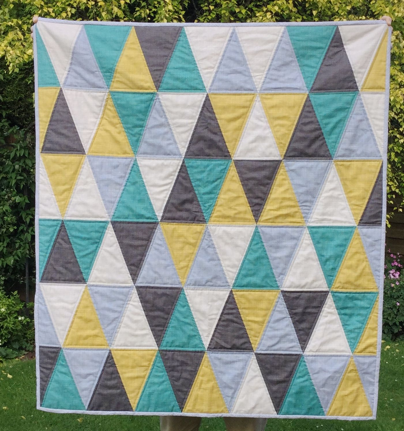 Image of: Triangle Quilt Patterns for Baby