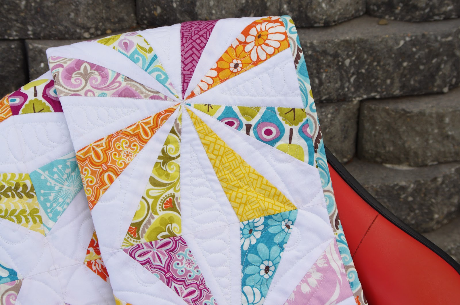 Image of: White Kaleidoscope Quilt Pattern