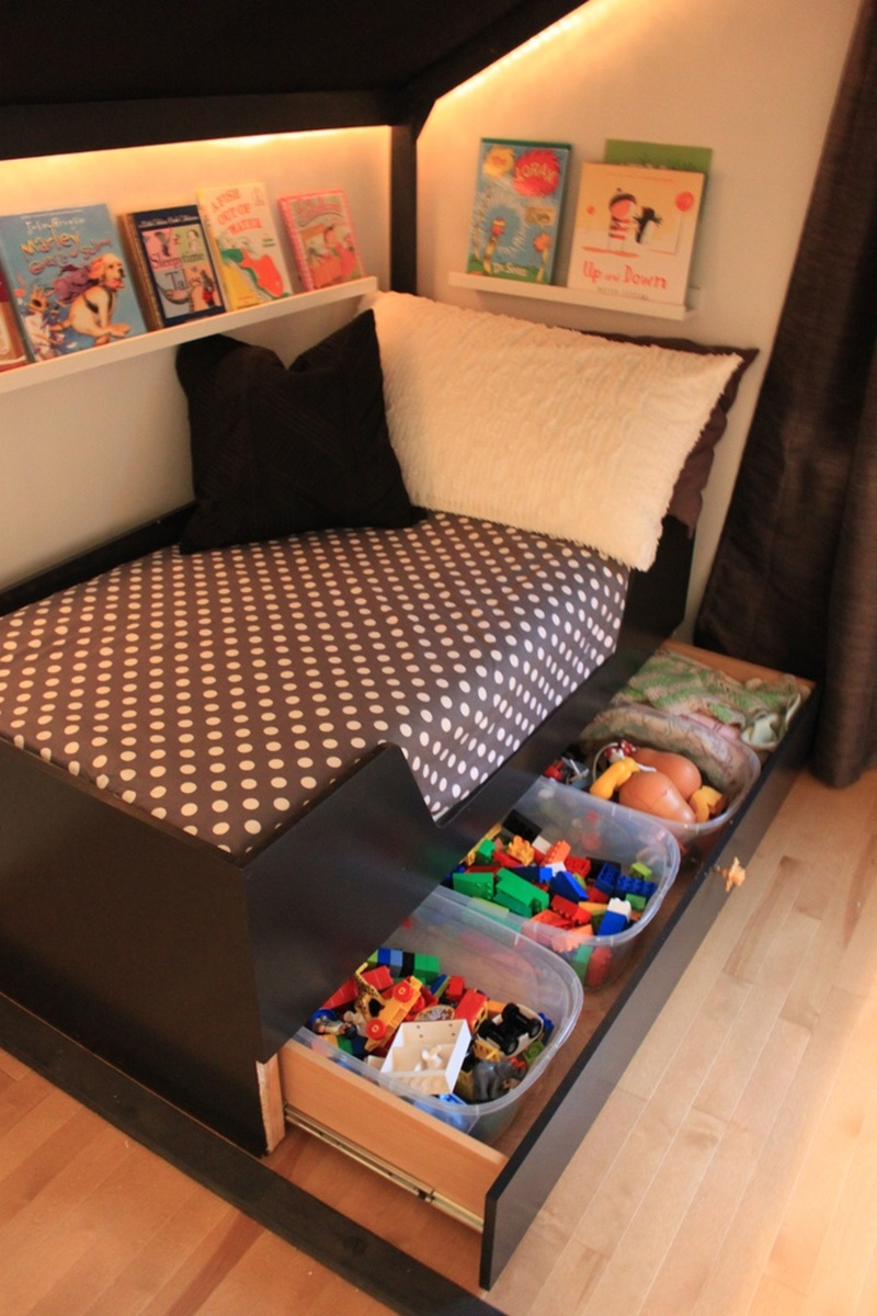 Image of: Awesome Under Bed Storage Ideas