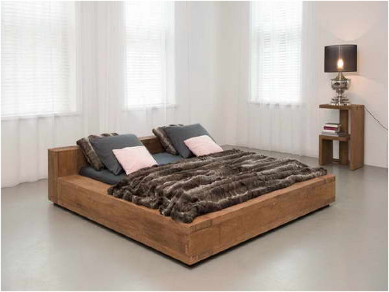 Image of: Cool Solid Wood Storage Bed
