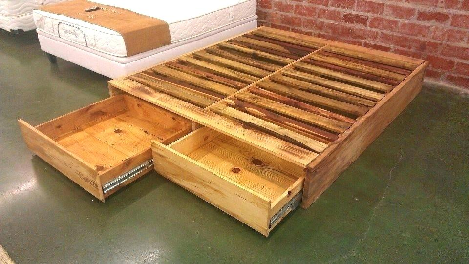 Picture of: DIY Pallet Bed with Storage