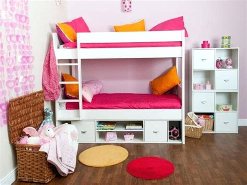 Image of: Girls Bunk Beds With Storage