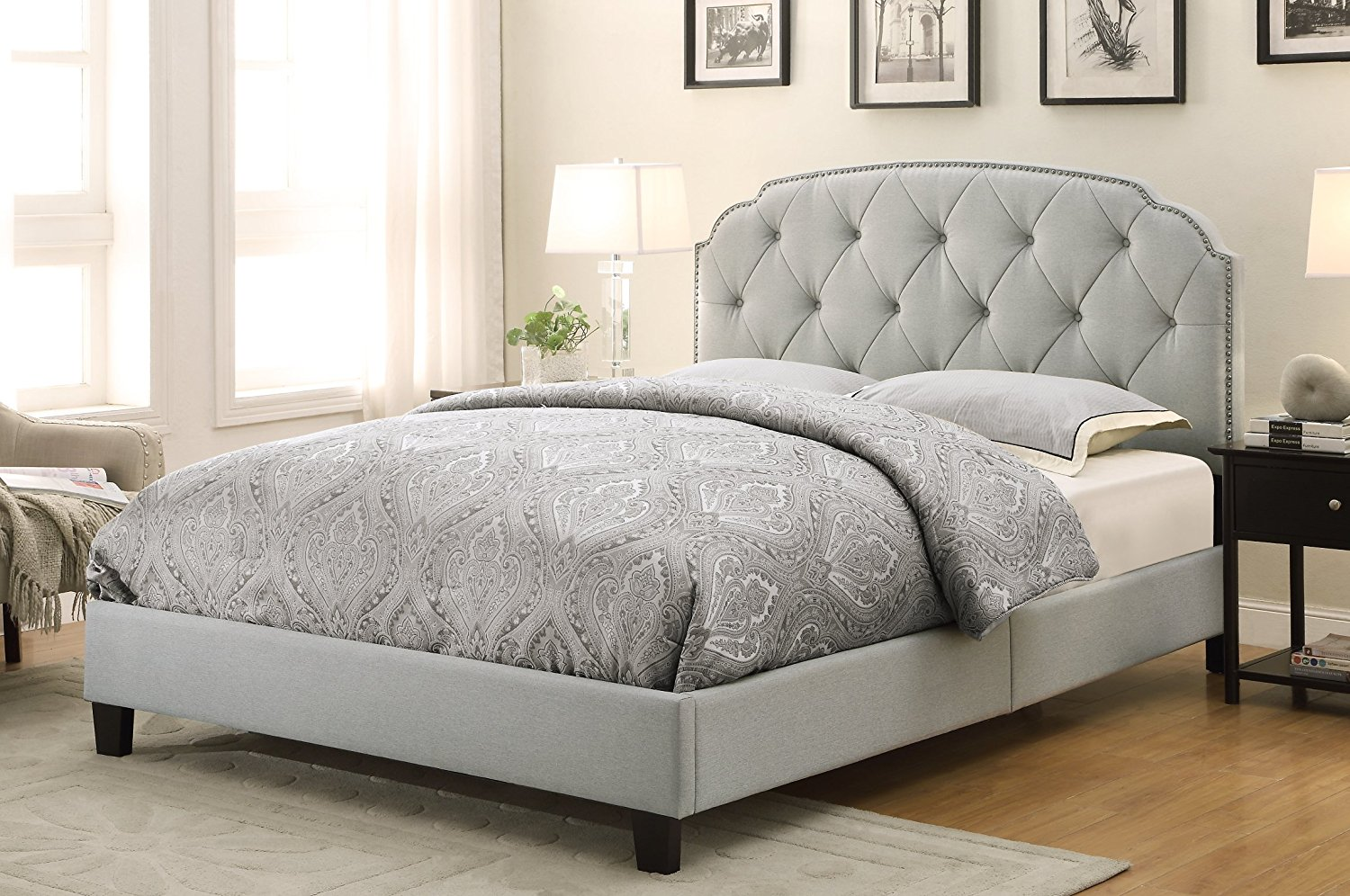 Image of: Gray Upholstered King Bed With Storage