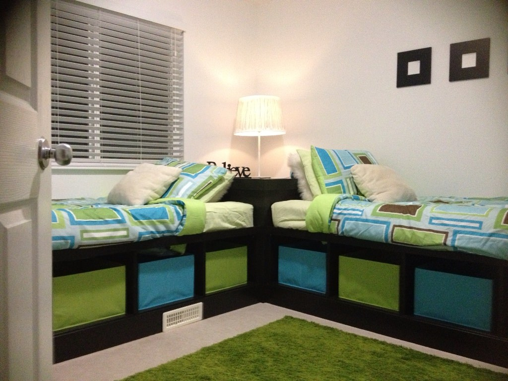Image of: Kids Corner Storage Bed