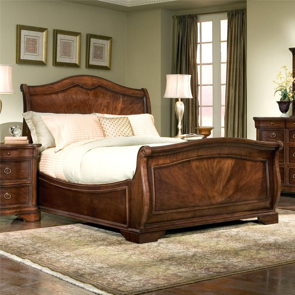 Image of: King Sleigh Bed with Storage