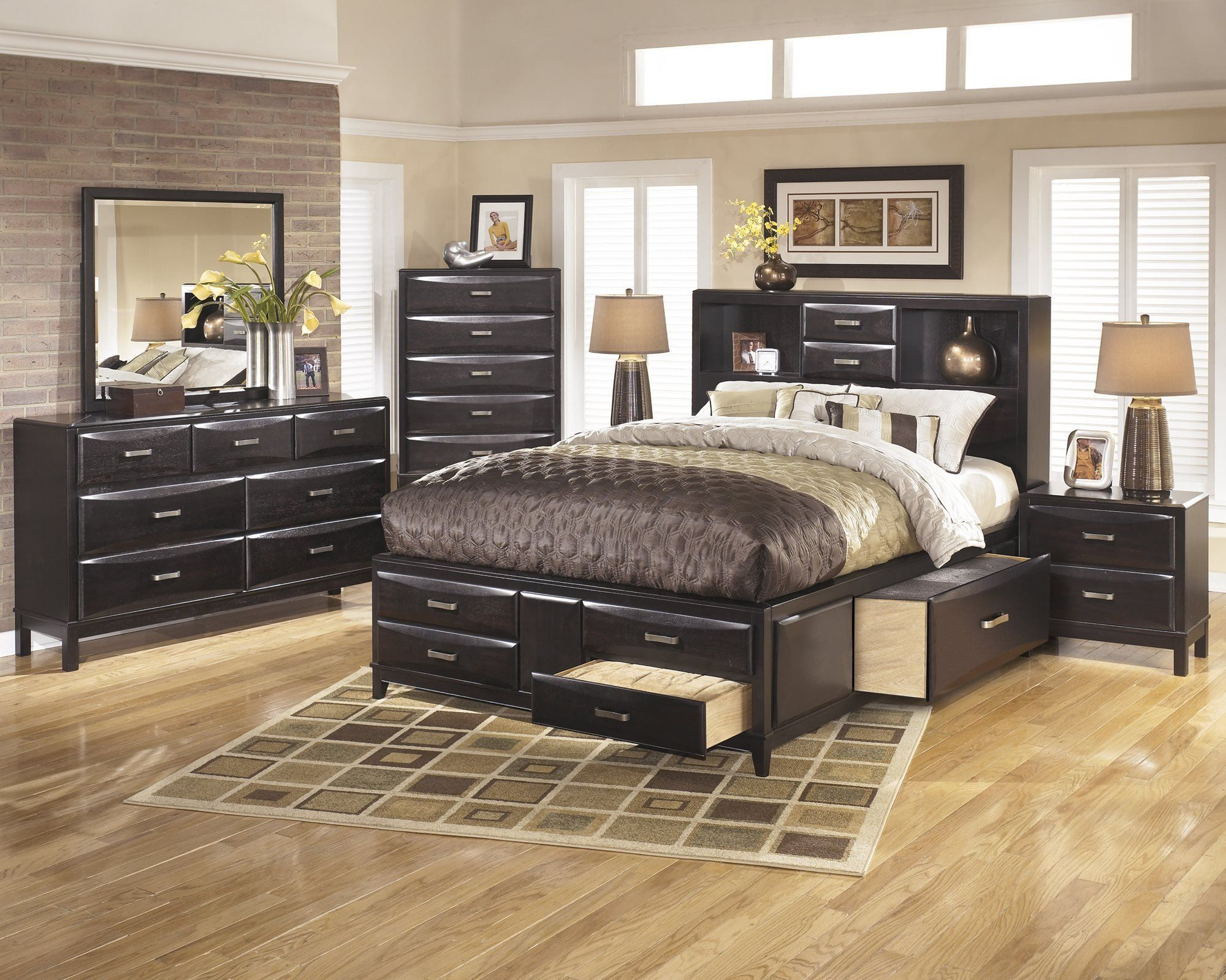 Image of: Kira Queen Storage Bed Reviews Ideas