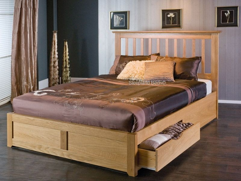 Image of: Kira Queen Storage Bed and Box Spring