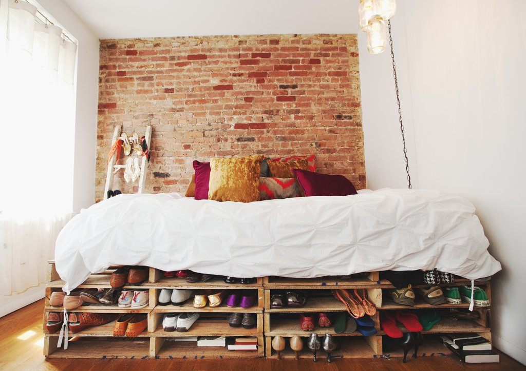 Picture of: Pallet Bed with Storage Frames