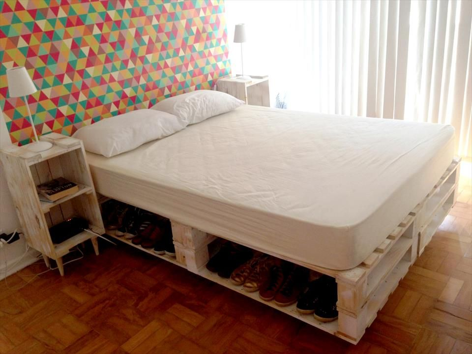 Picture of: Pallet Bed with Storage Shoes