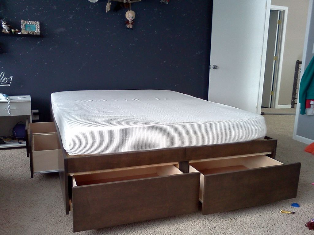 Image of: Platform Storage Bed Queen Install