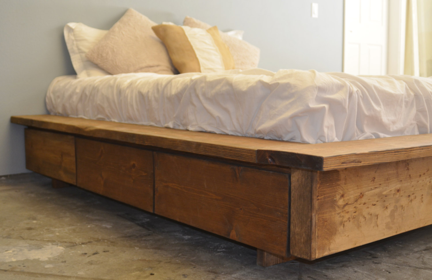 Platform Storage Bed Queen Wooden