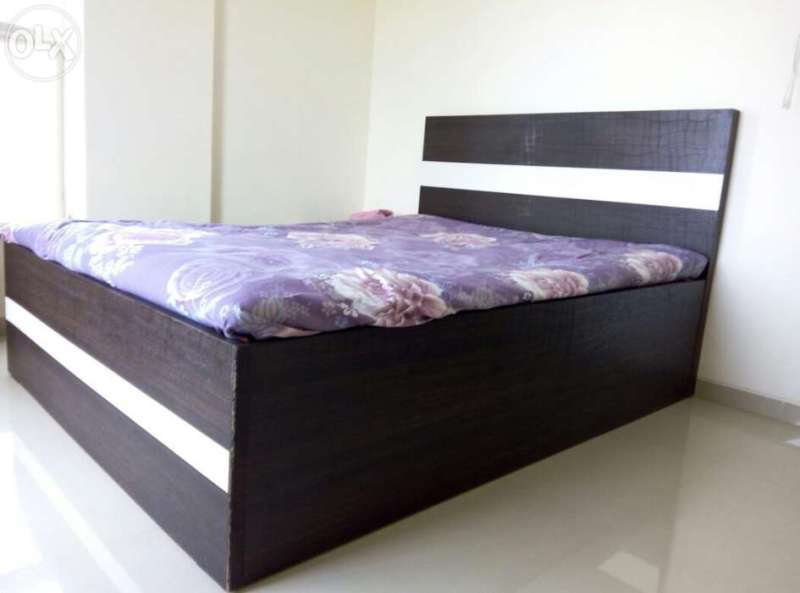 Image of: Queen Storage Bed Solid Wood