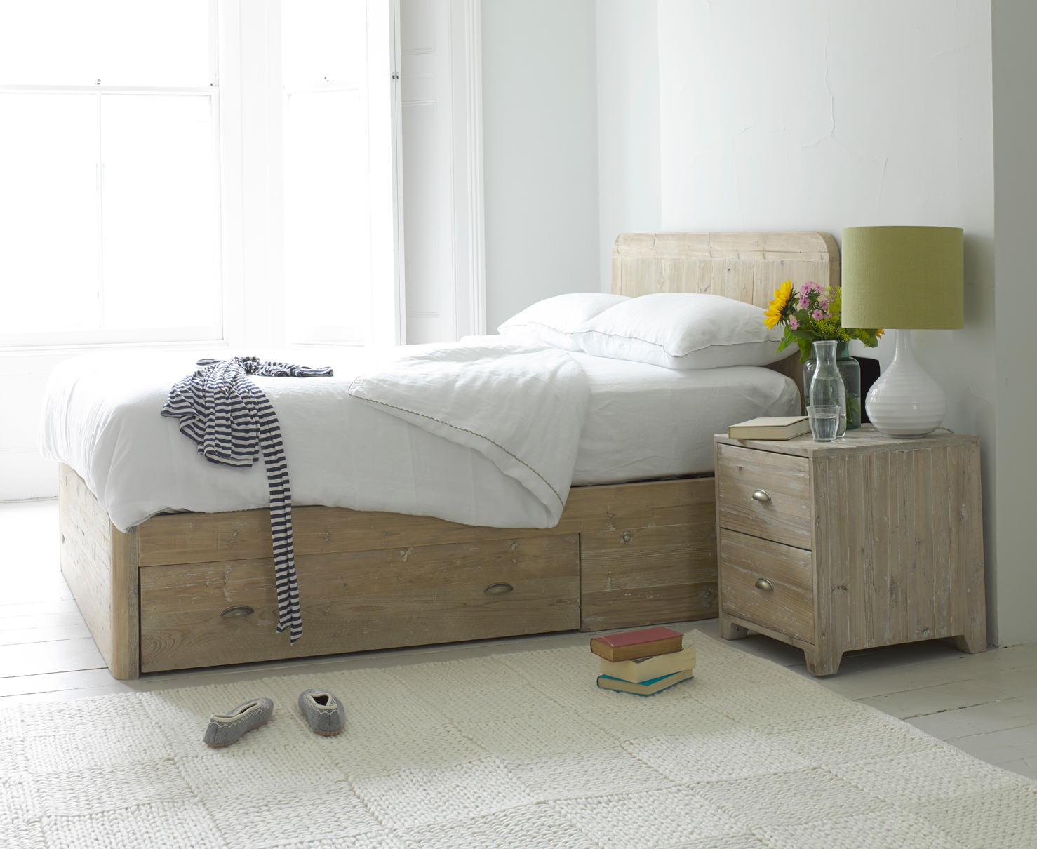 Image of: Reclaimed Solid Wood Storage Bed