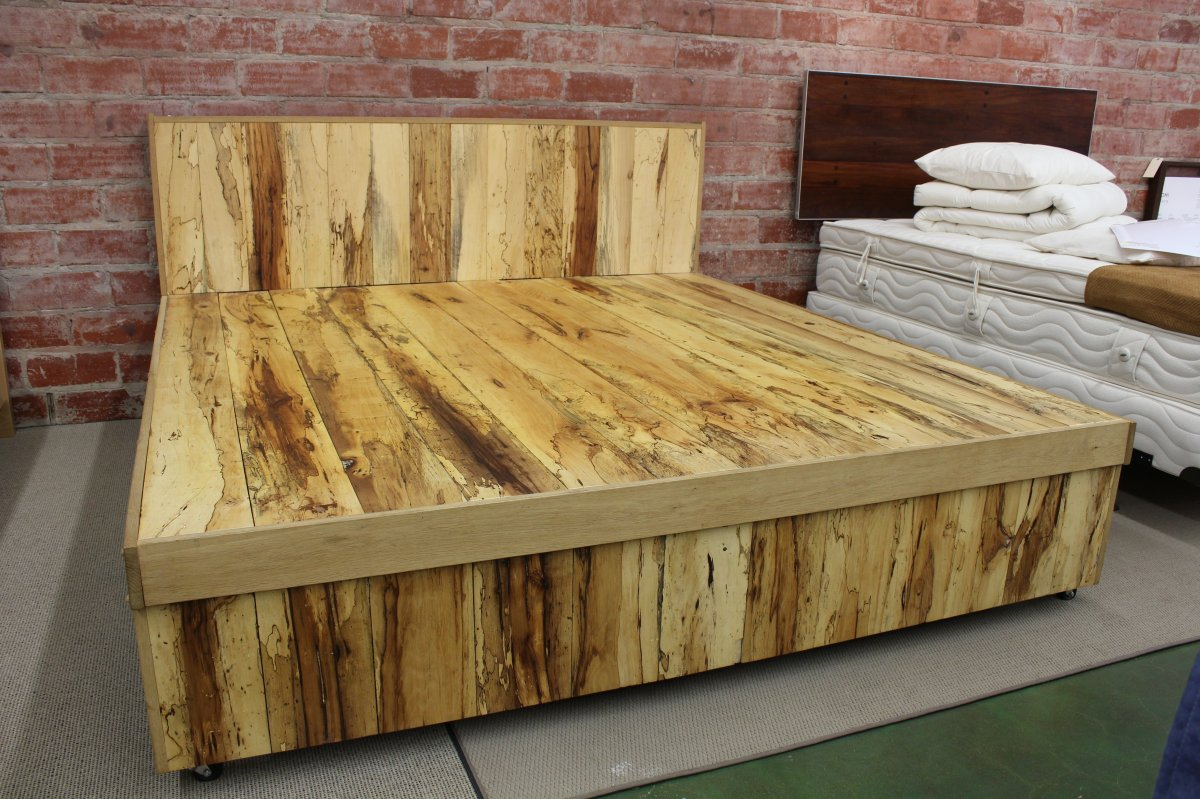 Image of: Rustic Full Beds With Storage