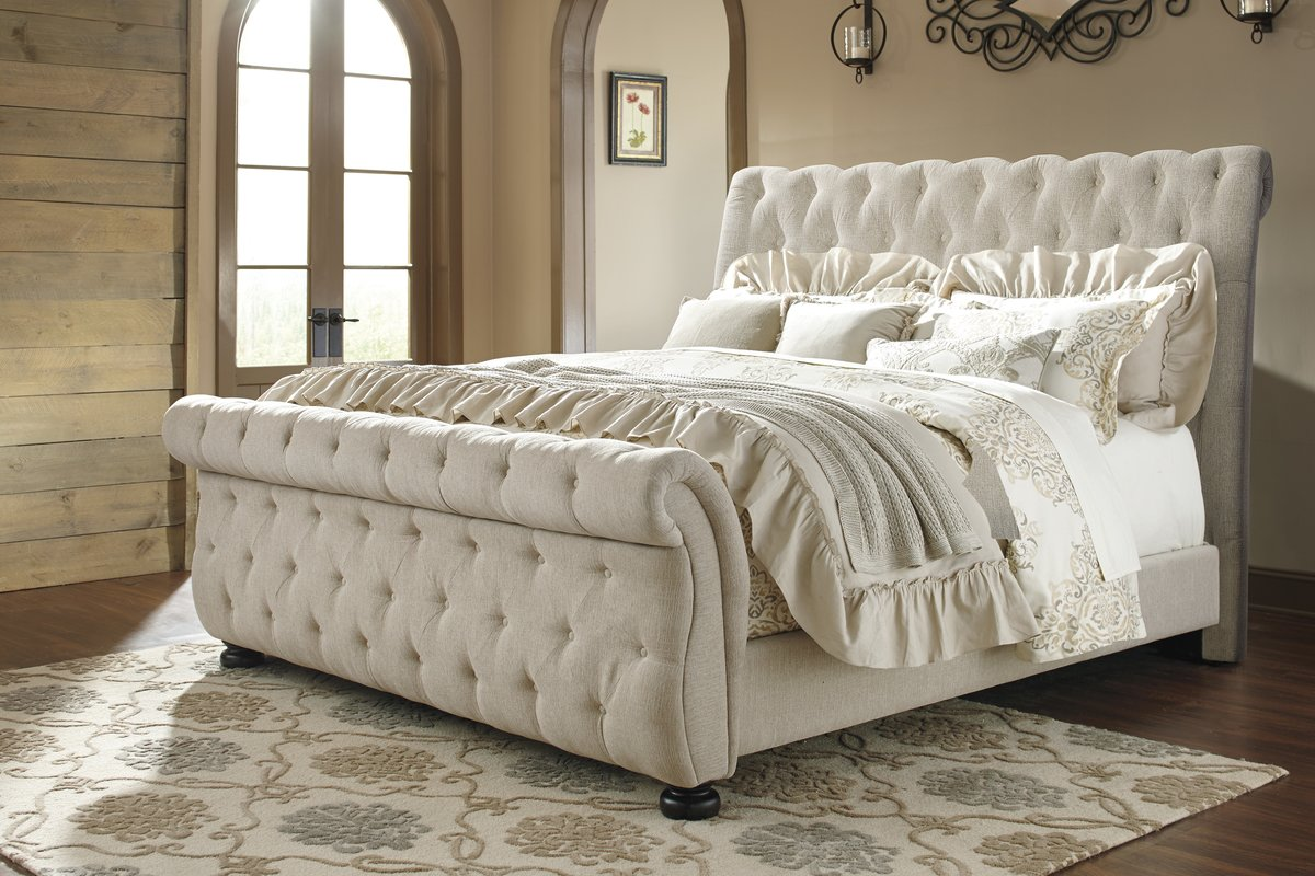 Image of: Sleigh Bed with Storage Tufted