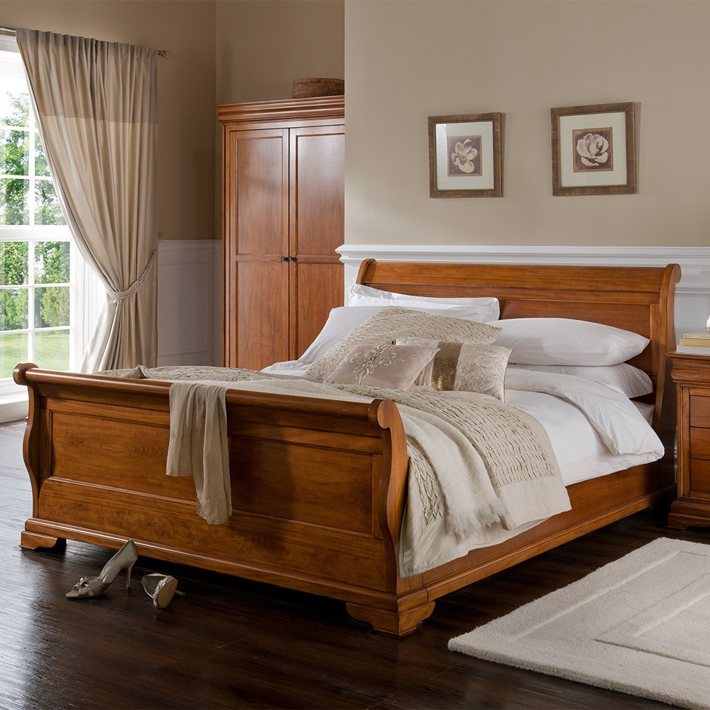 Image of: Sleigh Bed with Storage Wooden