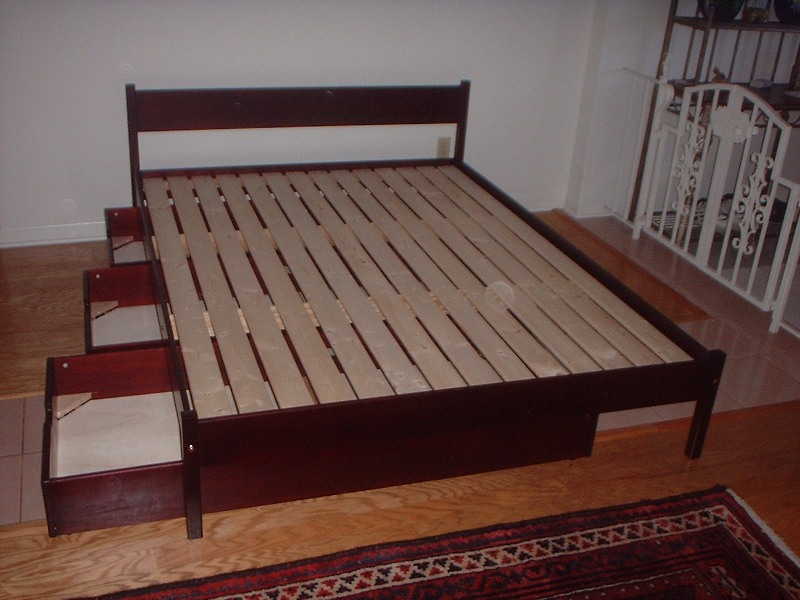 Image of: Solid Wood Platform Bed With Storage Ideas