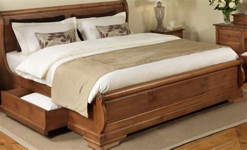 Image of: Solid Wood Queen Storage Bed