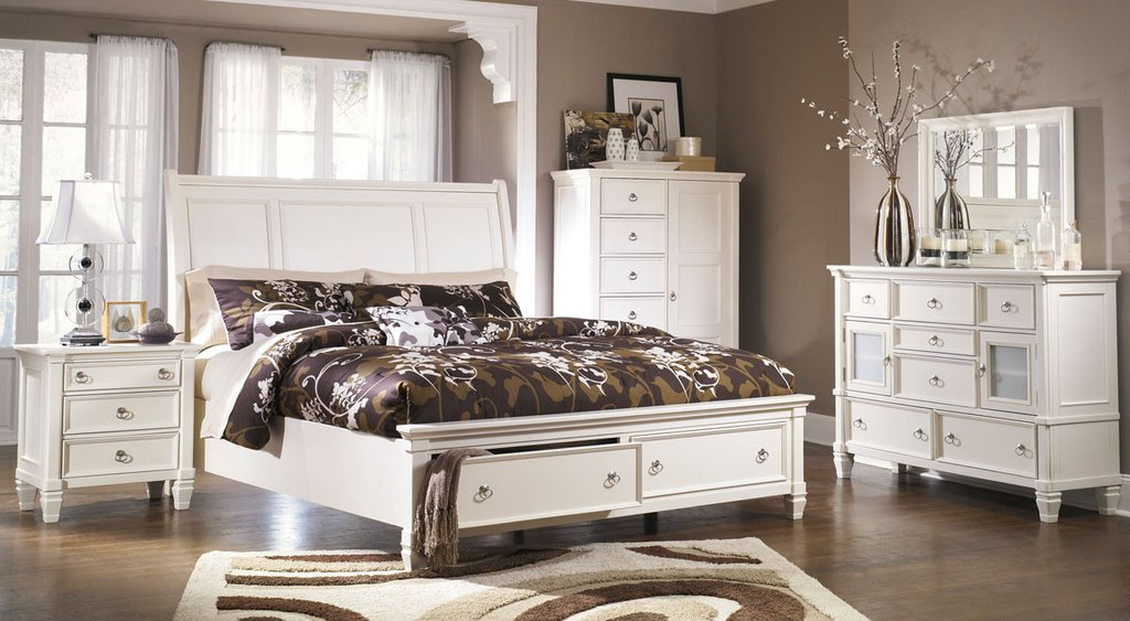 Picture of: Storage Bed Sets Queen