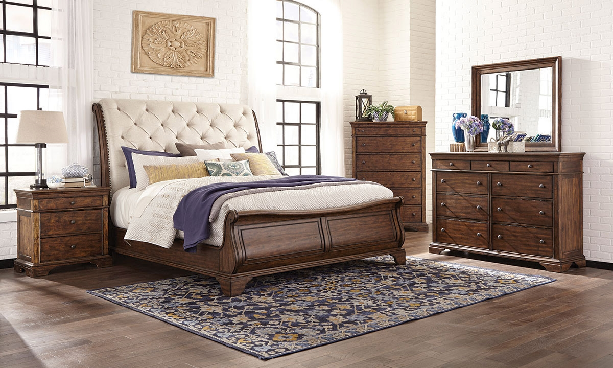 Image of: Upholstered Queen Bed Wood