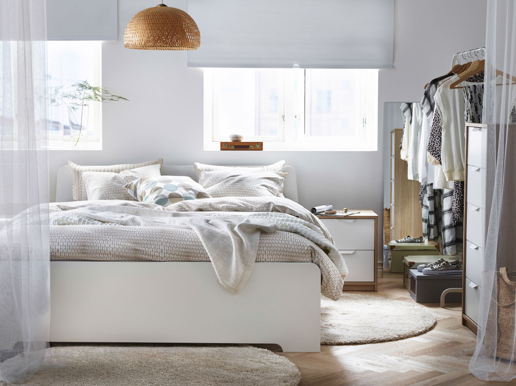 Image of: White Ikea Beds With Storage
