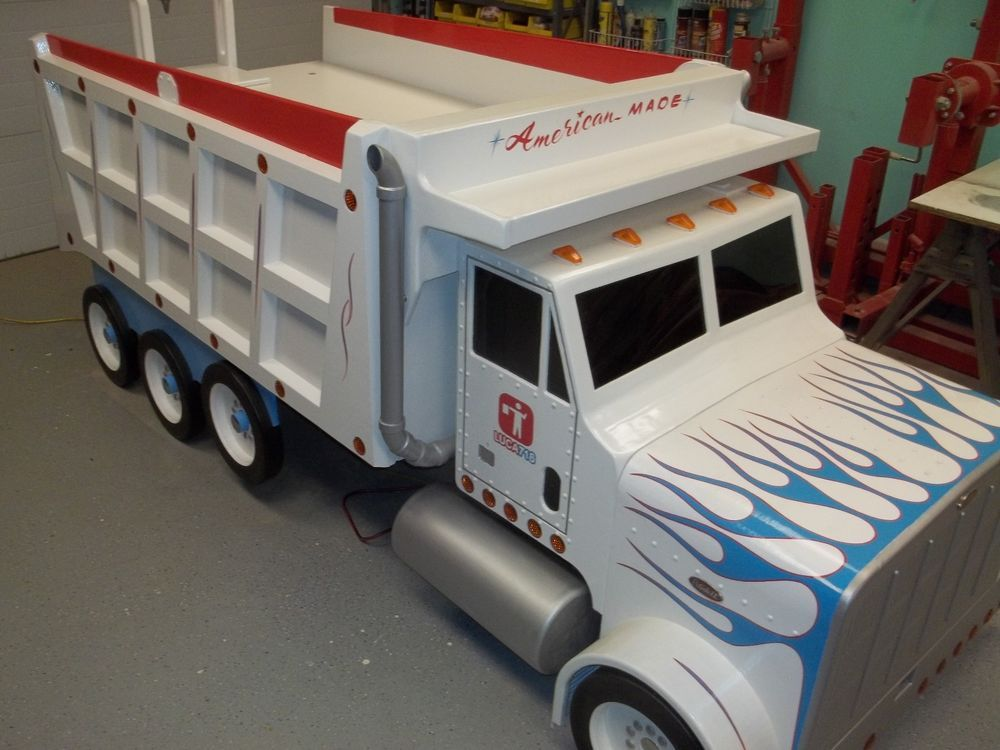 Image of: White Truck Bed Storage Containers