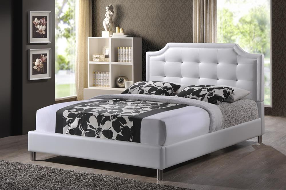 Image of: White Upholstered King Bed With Storage