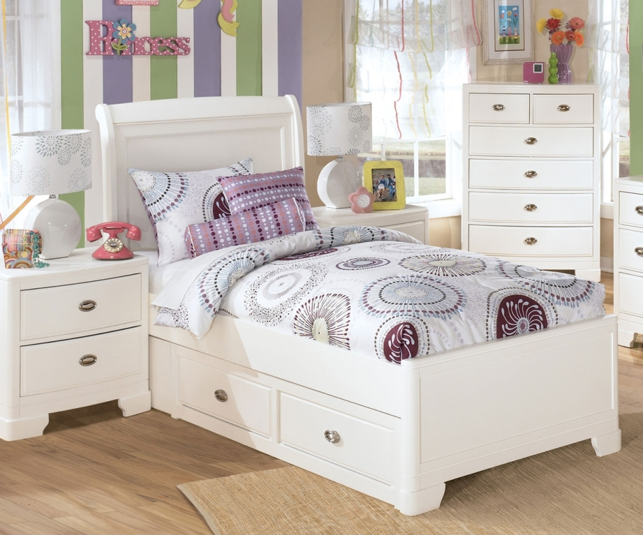 Image of: Xl Twin Bed with Storage for Child