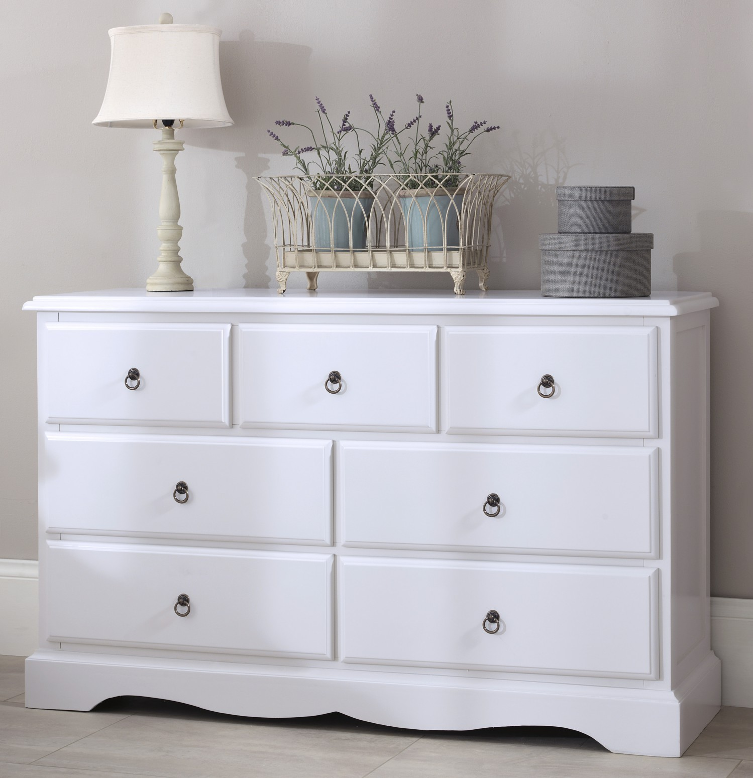 Image of: 7 Drawer Chest Decor