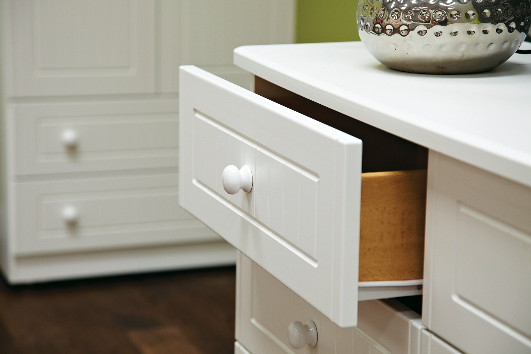 Picture of: Avalon White 6 Drawer Chest Furniture