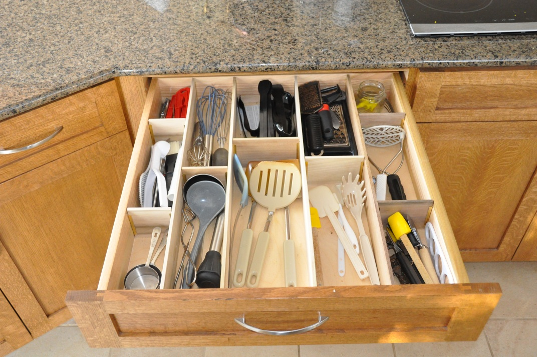 Image of: Cabinet Utensil Kitchen
