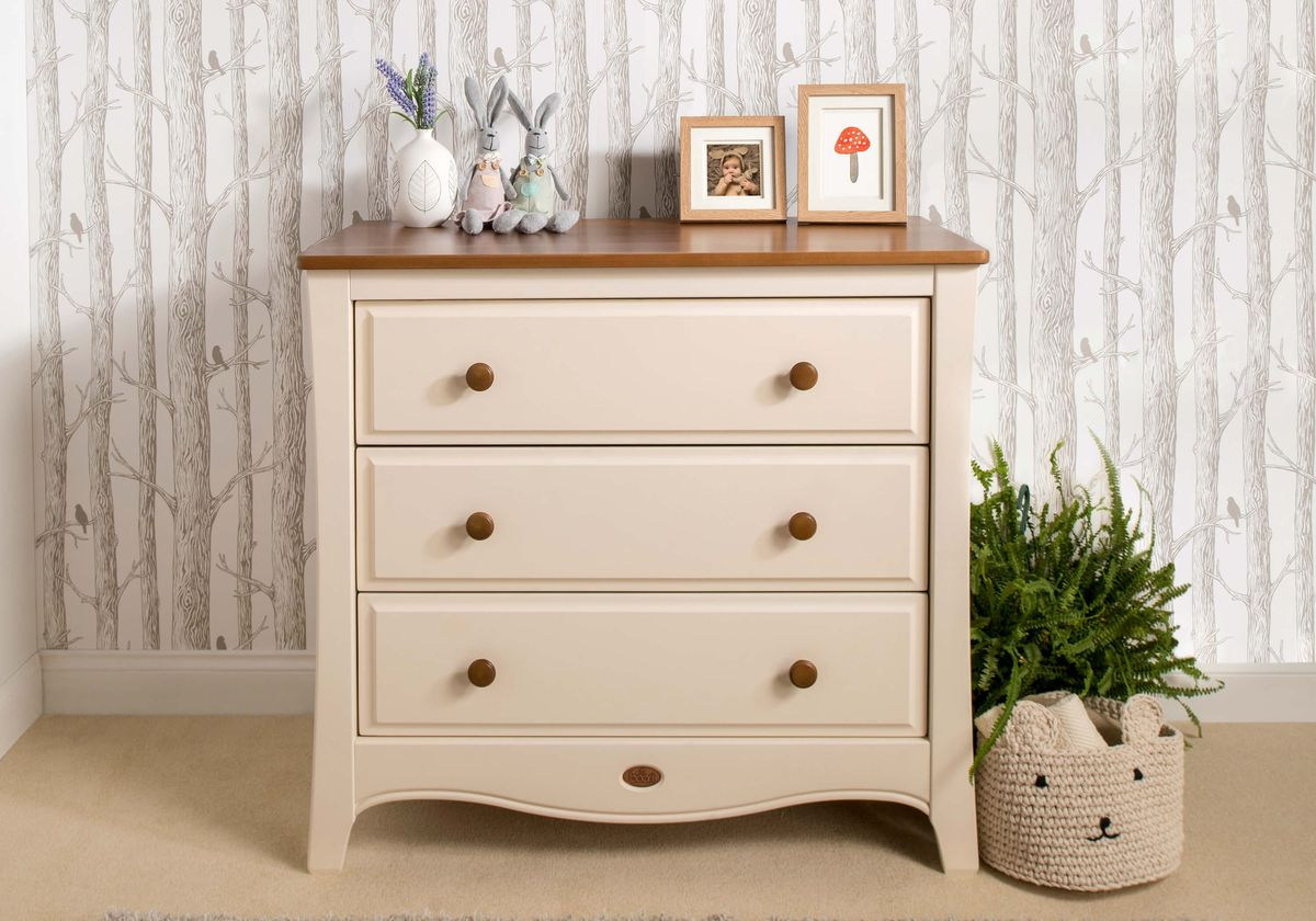 Image of: Chest Drawer and Shelves
