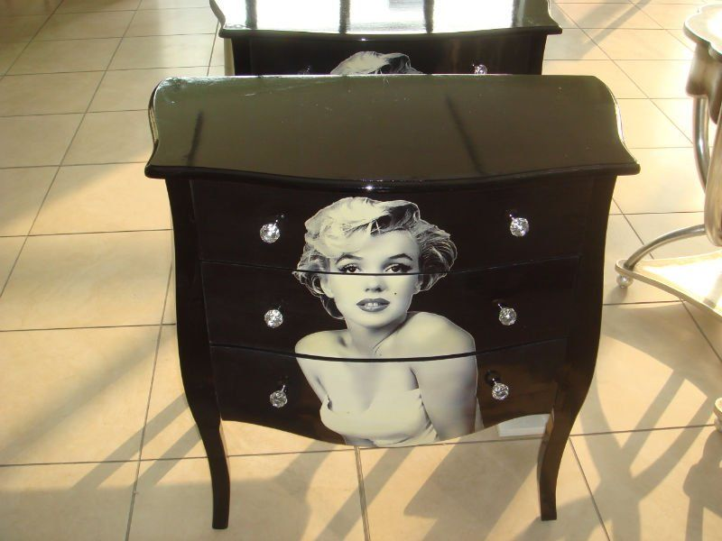Image of: Chest Marilyn Monroe