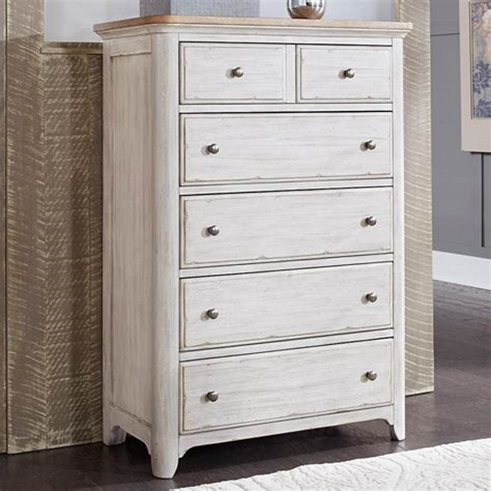 Picture of: Chic 5 Drawer Chest of Drawers