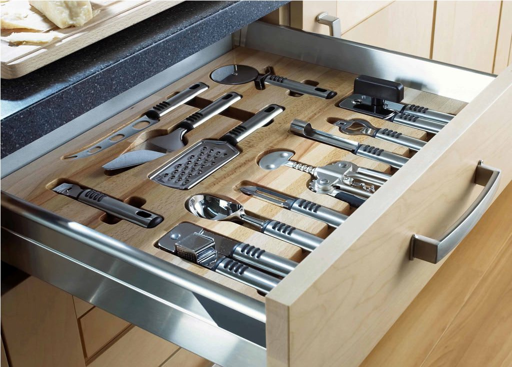 Easy Knife Storage