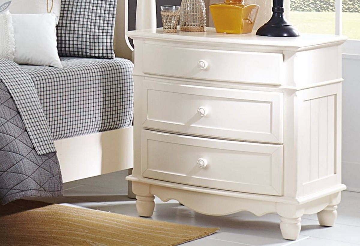 Picture of: Fae Antique White 3-Drawer Chest