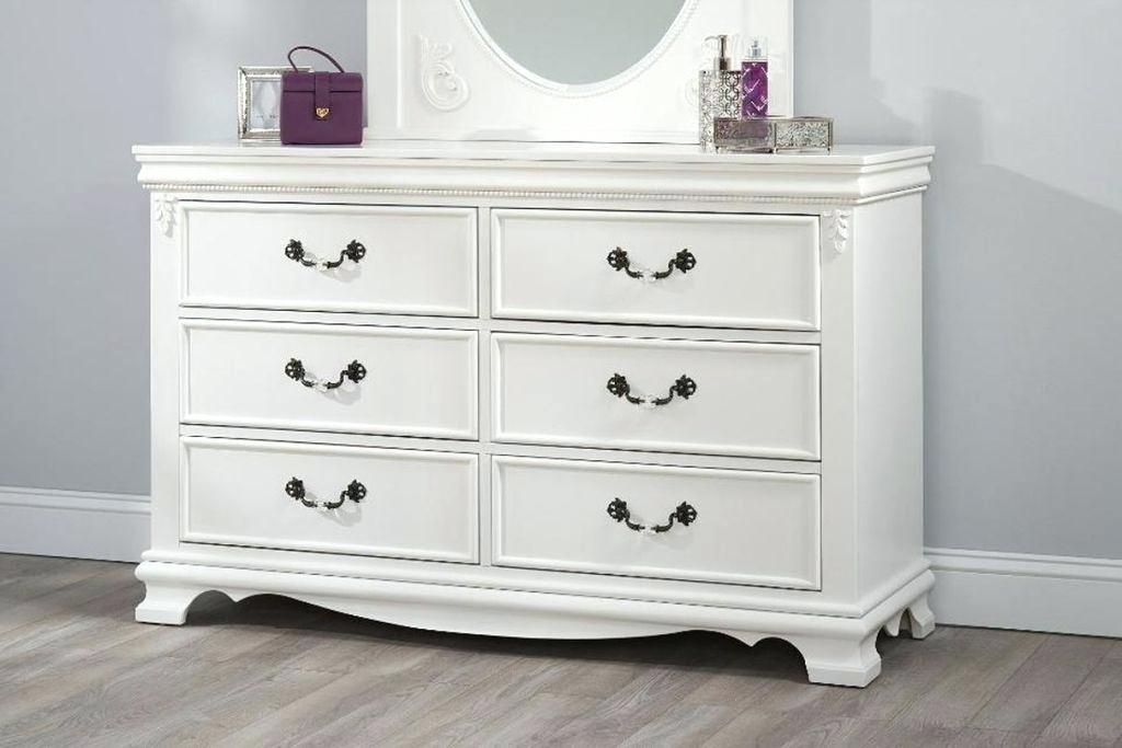 Picture of: Ikea Malm 6 Drawer Dresser With Mirror